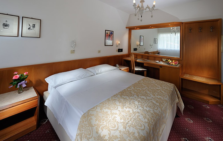 <br>Double Room